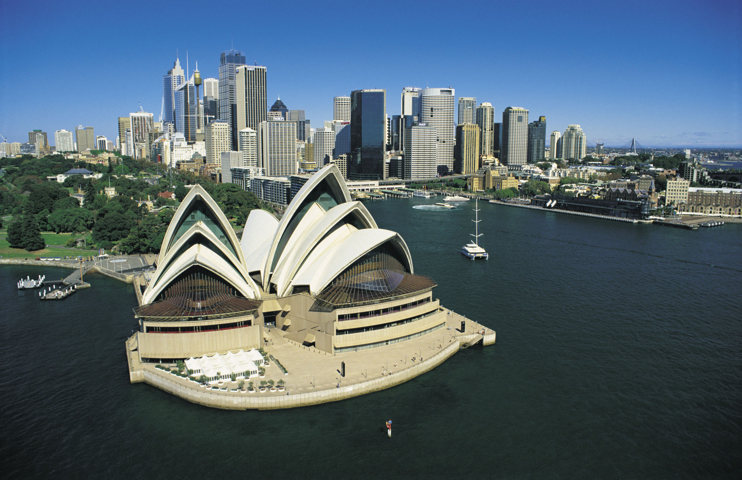 964 UTS photo - Sydney Opera House and Sydney city